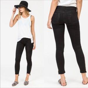 Frame le skinny de Jeanne zipper black jeans